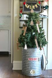 Pink Flocking Spray For Christmas Trees by 231 Best Christmas Tree Ideas Images On Pinterest Holiday Ideas
