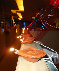 Cubicle Decoration Themes In Office For Diwali by Extraordinary Diwali Decoration Ideas For Office Bay Decoration