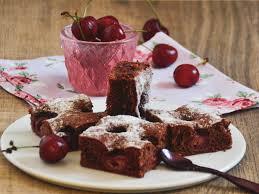 flaumiger schokolade kirschkuchen einfacher blechkuchen
