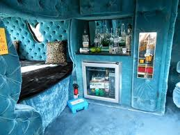 12 Far Out Van Interiors From The 70s That Will Make You Scratch
