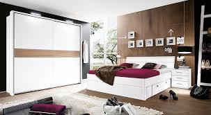 die bettanlage villa ist eine moderne möbelkombination in