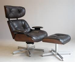 Selig Modern Design Leather Lounge Chair & Ottoman, Brown Le Vintage Ekornes Strless Chrome And Leather Lounge Chair Ottoman Modern Faux Base 1970s Chrome Leather Lounge Chair Www Thonet S 35 L Black Stained Beech Armrests Tp 29 Rare By Leolux 1960s 104245 George Mulhauser For Dia Genni 920 In 1802058 Selig Design Ottoman Brown Le Mies Van Der Rohe Mr Black Dark Stool Arne Norell Ingmar Relling Chrome15 Malm Retro