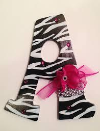 Pink Zebra Accessories For Bedroom by Best 25 Zebra Print Bedroom Ideas On Pinterest Zebra Stuff