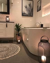 kleines badezimmer schwarz weis einrichtung dekorieren