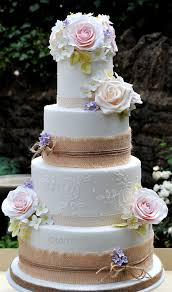 Barn Style Wedding Cake Form Tortebellacouk With Hessian