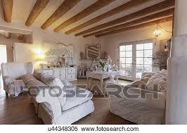setzen möbeln mit ausgesetzt decke balken in geräumig
