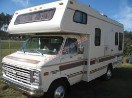 Winnebago Mini Winnie Class C Motorhome Thumbnail 1