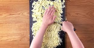 weißer kalter hund ein kuchen rezept mit eingebetteten