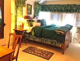 Brass Beds Of Virginia by Brass Pineapple Inn In Charleston West Virginia B U0026b Rental