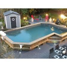 une piscine semi enterrée un bon compromis entre deux types de