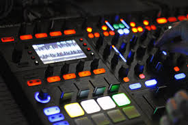 Traktor Remix Decks Vs Ableton by My Long Weekend With The Traktor Kontrol S8 Djworx