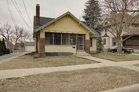 222 s wisconsin st janesville wi 53545 mls 1818619 coldwell