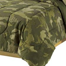 Army Camo Bathroom Decor by Amazon Com Dream Factory Geo Camo Army Boys Comforter Set Green