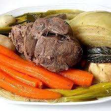 le pot au feu est un plat très simple et est traditionnel en