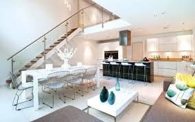 modernes wohnzimmer einrichten wohn und küchenraum