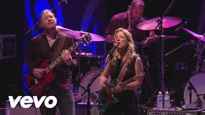Tedeschi Trucks Band - Darling Be Home Soon (Live) - YouTube