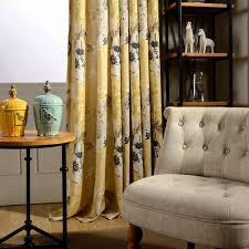 vorhang landhaus stil floral design gelb im wohnzimmer