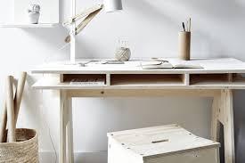 fabrication d un bureau en bois diy fabriquer un bureau design et pas cher tout en bois decocrush