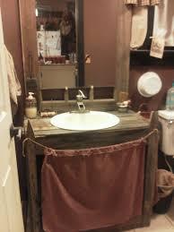 Photos Of Primitive Bathrooms by 94 Best Primitive Bathroom Images On Pinterest Primitive Country