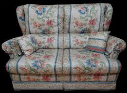 canap en anglais canapé 2 places anglais tissu fleur hamilton longfield 1880