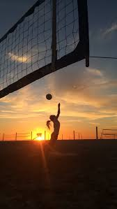 4 Scenic Southern California Beaches With Volleyball Nets