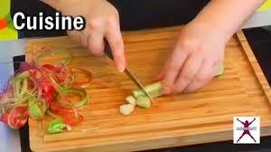comment cuisiner comment préparer et cuisiner la rhubarbe