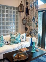 orientalische möbel design ideen weißes sofa dekokissen in