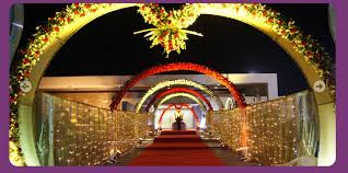 Selecting The Perfect Indian Wedding Hall And Mandap Entrance Decoration Is A Difficult Task Especially When There Are So Many Beautiful O