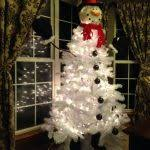 25 Unique Snowman Tree Ideas On Pinterest