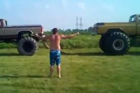 VIDEO: Redneck Tug-O-War - What Could Possibly Go Wrong Here? - Off ...