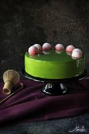 matcha limetten torte mit himbeere schwarzem sesam maren