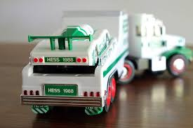 Amazon.com: Hess Toy Truck And Racer 1988: Toys & Games
