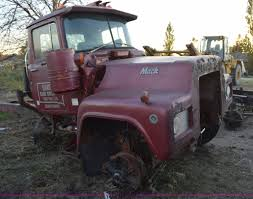 100 R Model Mack Trucks For Sale 2 Model Truck Chassis And Frame Parts Item L5144