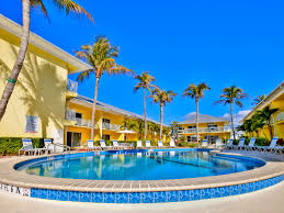 100 Blu Water Apartments Fort Myers Beach Vacation Rental E That Sleeps 34 People