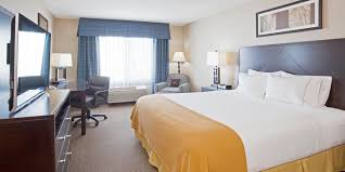 Bed And Biscuit Sioux City by Holiday Inn Express U0026 Suites Grand Forks Hotel By Ihg
