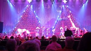 Bellevue Baptist Church Singing Christmas Tree Youtube by The Song