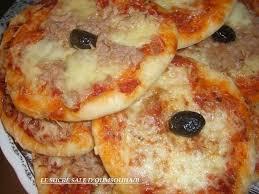 mini pizzas thon mozzarella le sucré salé d oum souhaib