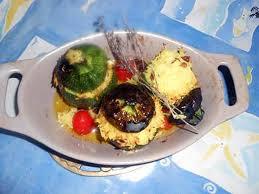 cuisiner courgette ronde recette de courgette ronde farcie au riz et raisins secs
