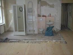 altes badezimmer nachdem ich die trennwand zum s