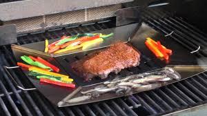 barbecue a la plancha sur la table grill and sear plancha