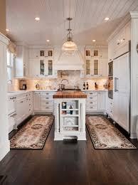 Cape Cod Kitchen Design [peenmedia]