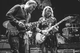 Tedeschi Trucks Band Live Performance And Backstage Photography By ... Filederek Trucks And Susan Tedeschi 2jpg Wikipedia Tonight 28 June Bb King With Ronnie Slash Derek At Blufest Byron Bay March 24th Tedeschi Trucks Band Together After Marriage Youtube Band Real Hand Signed 8x10 Photo W B Editorial Stock Photo Keep Your Lamp Trimmed And Burning Jacksonvilles Donates 48000 Worth Of Steve Earle Benefit Show Welcomes Warren Haynes Perform Id Rather Go Madison Wisconsin Usa 5th Nov 2018 Derek Susan The Greek Theater