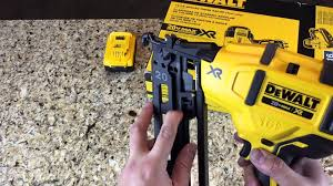 18 Gauge Floor Nailer Ebay by Dewalt Brushless 20v Max 16 Gauge Nailer Dcn660 Youtube