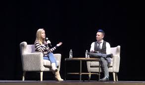 """Angela Kinsey of """"The fice"""" visits NU discusses female"""