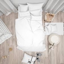 schlafzimmer mit weißem bett und niedlicher moderner