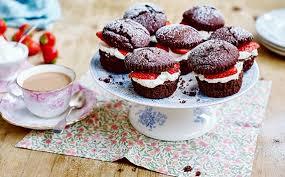 Chocolate Victoria Sponge Cupcakes