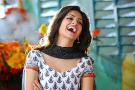 Kriti Kharbanda HD All Wallpapers Free Download