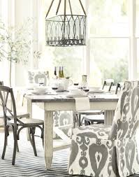 Dining Room Table Decorating Ideas For Christmas by Glass Vase For Christmas Table Decoration Idea White Oval Dining