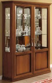 klassische vitrine wohnzimmer schrank nussbaum holzfurnier