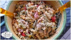 salade de pâtes froides au thon et aux légumes gourmande à